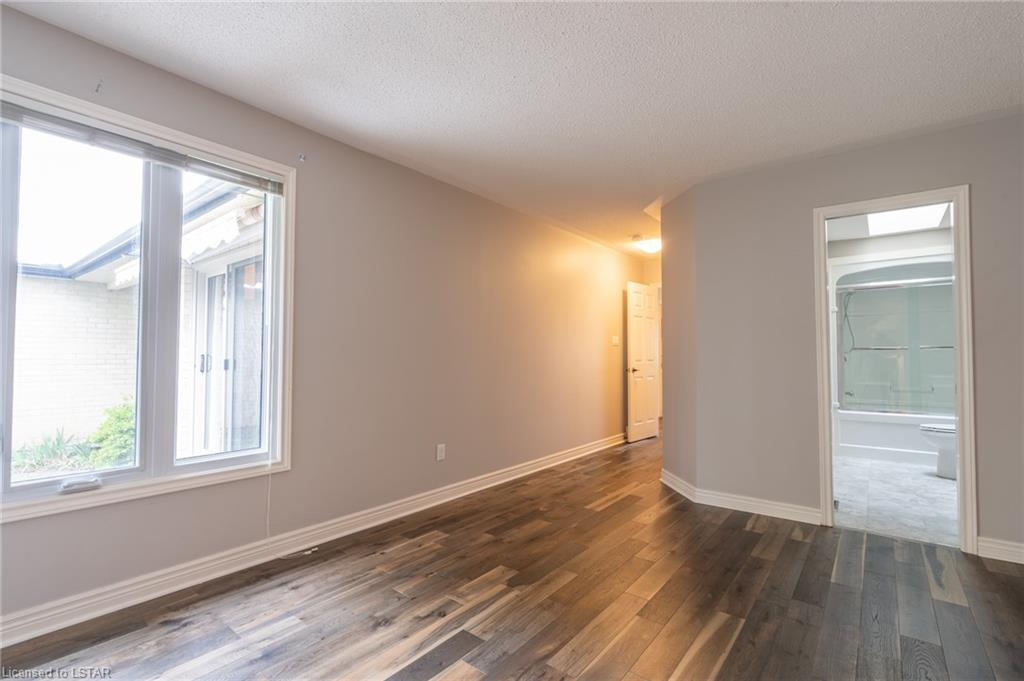 $XX1,000, Row/Townhouse, Unit 52 - 93 PINE VALLEY Gate ...
